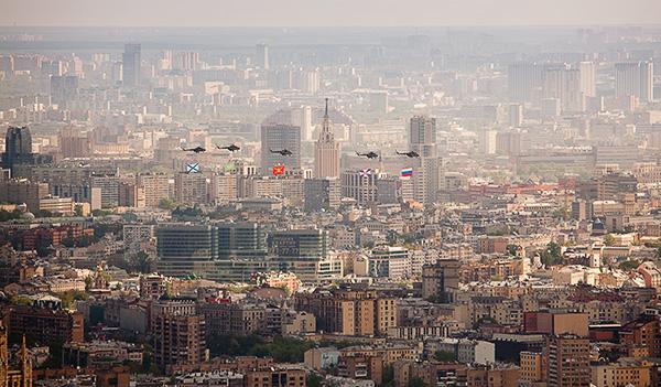 Фото съемка с крыши Москва-Сити на 9-е мая